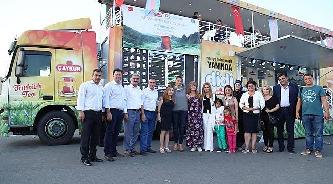 Bakü'de Türk Çayı ikram edildi
