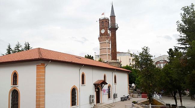 600 yıllık Tahta Minareli Cami