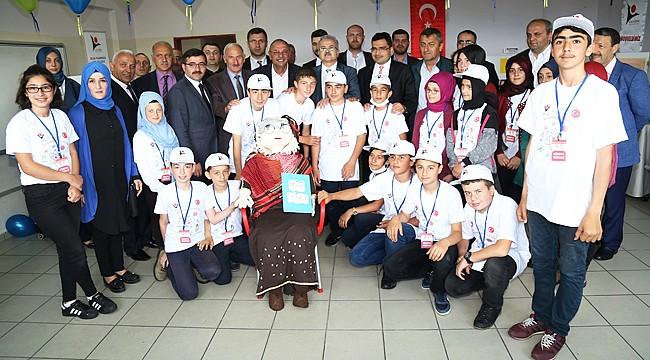 Kirazdağı Ortaokulu 'Tübitak 4006 Bilim Fuarı' açıldı