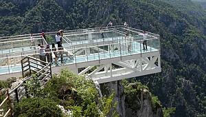 450 metre yüksekte nikah kıydılar
