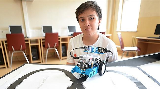 8. sınıf öğrencisi 'akıllı elektrikli araba' tasarladı