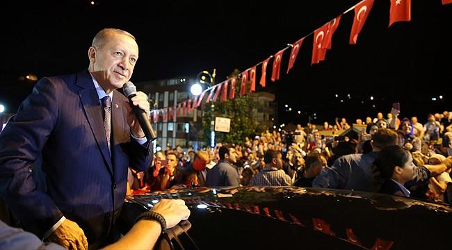 Cumhurbaşkanı Erdoğan memleketi Rize'ye geldi