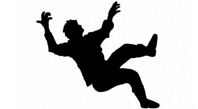Kendirli'de çatıdan düşen kişi öldü
