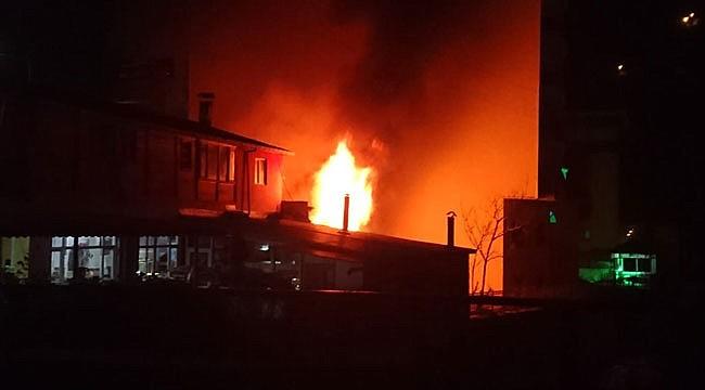 Rize'de depoda yangın çıktı