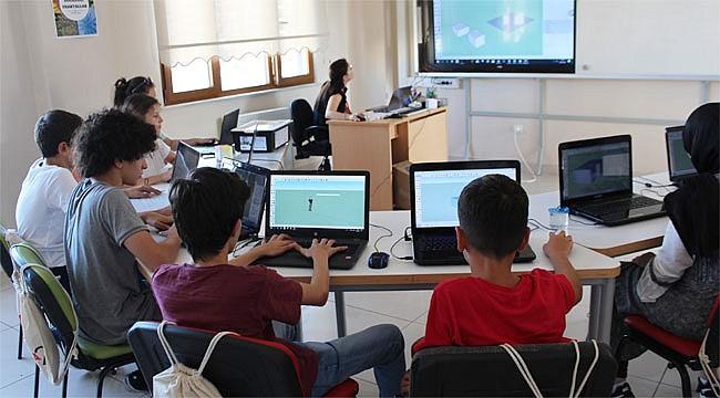 Rize'de öğrenciler robotlarla modelleme yapacak