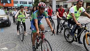 Rize'ye bisiklet turu atarak 'Hareketlilik' kattılar