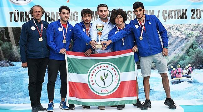 U19 ve U23'de Türkiye Şampiyonu Çaykurspor Rafting oldu