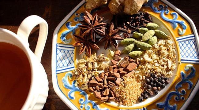 Kışın iyi gelecek 5 özel çay tarifi