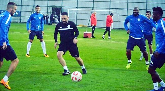 Ahmet Özkaya, Manisa Büyükşehir Belediyespor ile anlaştı