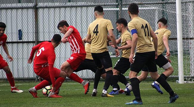 Çaykur Rizespor U21 takımı, 6 dakikada 3 puanı kaptırdı