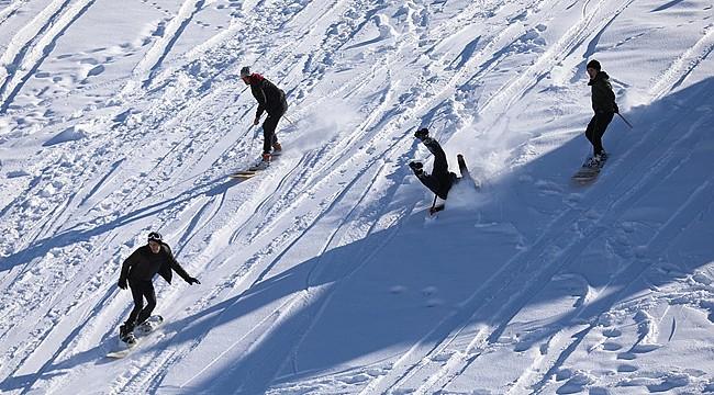 Petran Yaylası'nda lazboard ile kayak keyfi