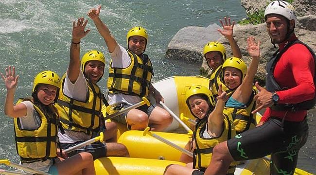 Rize'de rafting heyecanı Derebeyi Rafting ile yaşanır