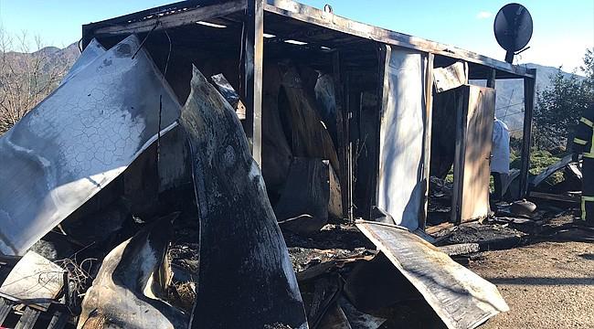 Rize'de yangın: Yaşlı adam yanarak öldü
