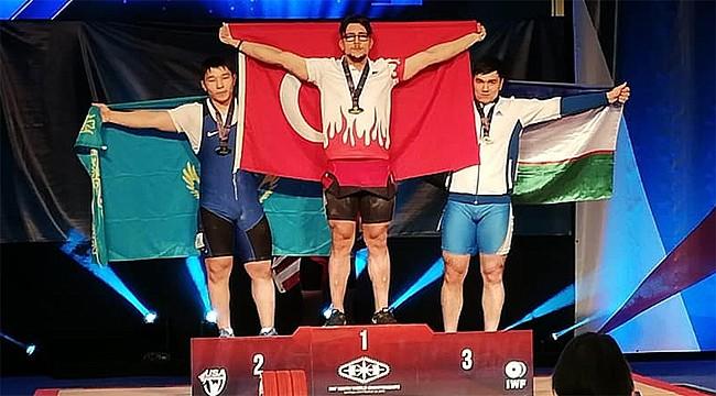 Rizeli Sporcu Halter'de Dünya Şampiyonu oldu