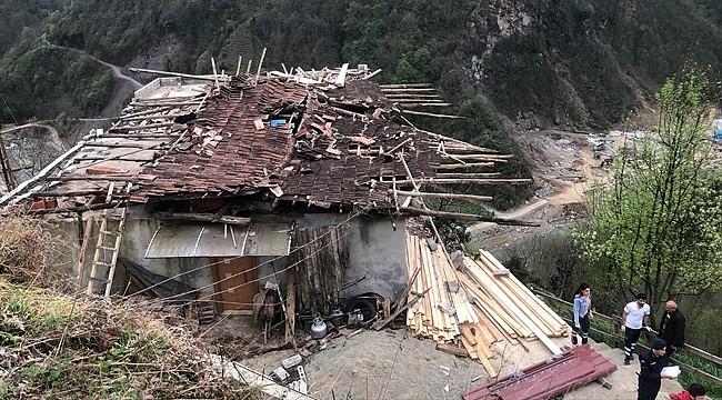 Çayeli'nde çatıdan düşen 1 kişi öldü, 2 kişi yaralandı