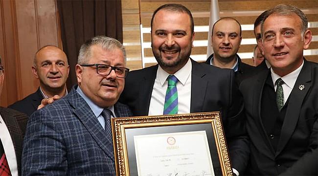 İyidere'nin yeni başkanı Saffet Mete görevi devraldı