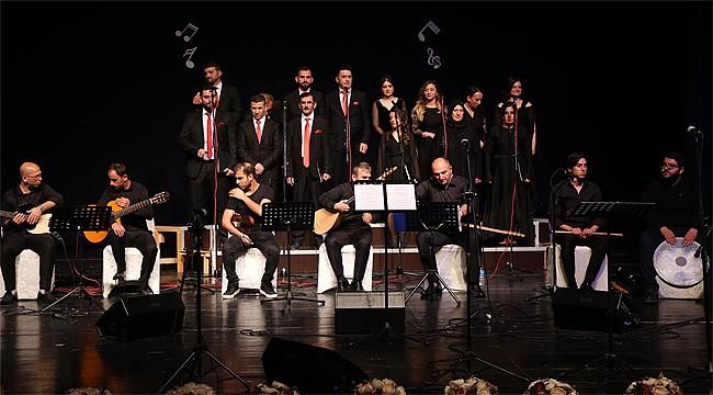Rize'de Kamu Personelinden Türk Halk Müziği Korosu