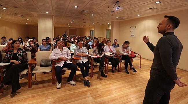 Rize'de sağlık personeline Otizm Farkındalık eğitimi
