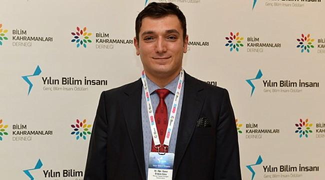 RTEÜ Öğretim Üyesi, 'Yılın Bilim İnsanı' seçildi