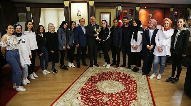 Rize Belediye Spor Halk Oyunları ekibi bölge 1.'si oldu