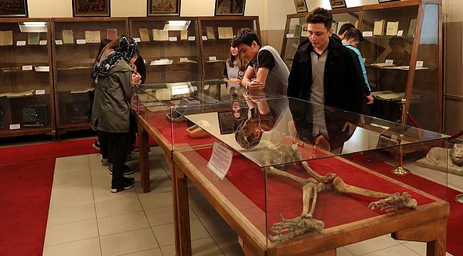 Rize Lisesi'nde, eğitim tarihine ışık tutan müze