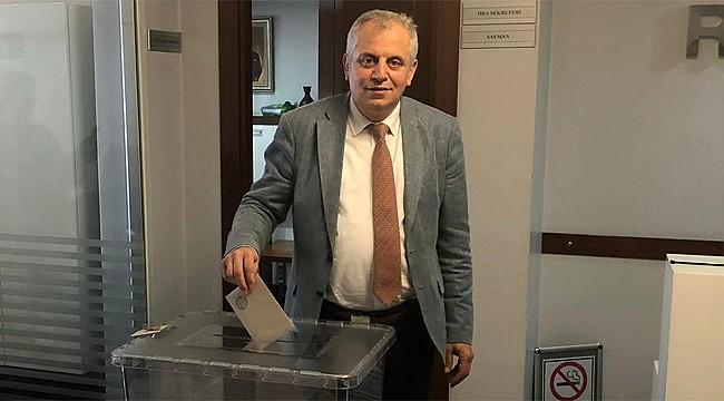 Rize SMMMO'da Çakmakçı yeniden başkan seçildi