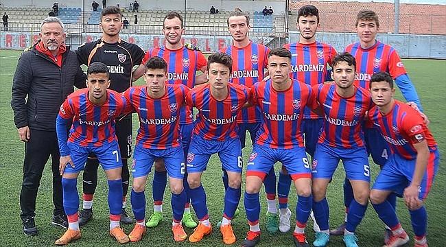 U19 ligi maçında 15 kırmızı kart çıktı