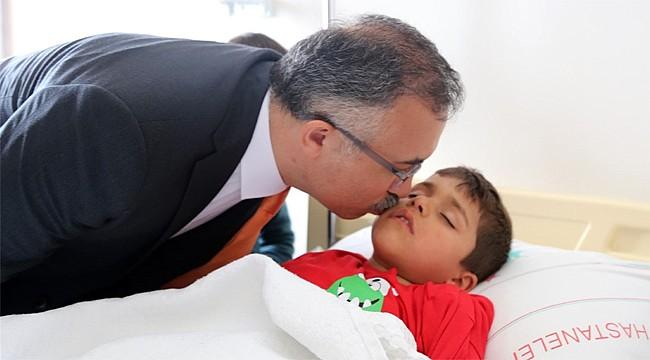 Vali Çeber: 'Çocuklarımızda herhangi bir sağlık problemi yok'