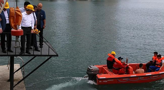 Denizcilik lisesi öğrencilerinden 'Denizde Güvenlik Eğitimi'