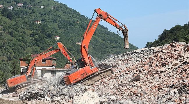 Fırtına Vadisi'nde kaçak yapılar yıkılıyor