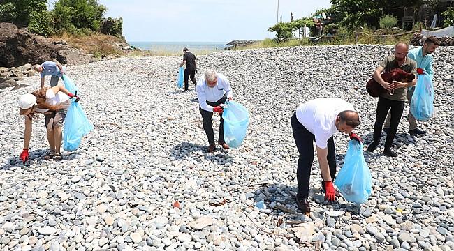 İyidere'de tulum eşliğinde çöp topladılar