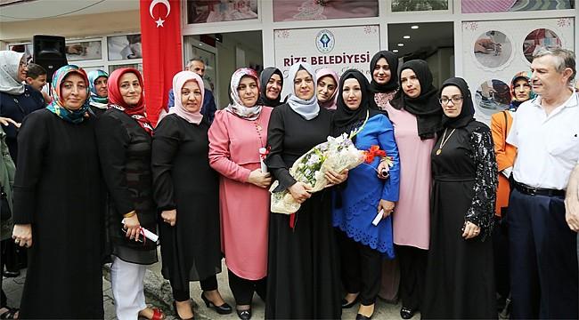 Tophaneli Kadınlar, el emeği ürünlerini sergilediler