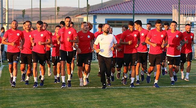 Çaykur Rizespor'un Erzurum kampı başladı