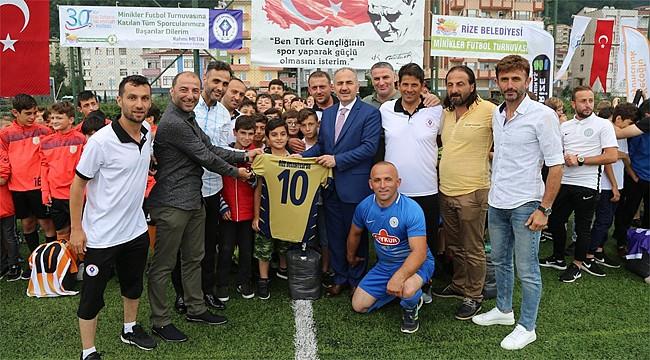 Rize'de Minikler Futbol Turnuvası başladı