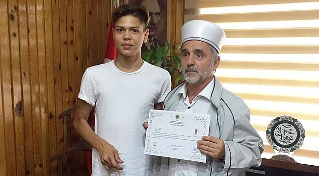 Alman genç, İslamiyeti seçerek Müslüman oldu