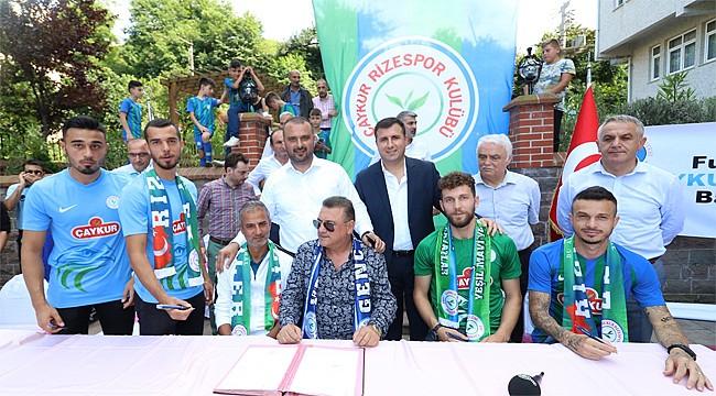 Çaykur Rizespor, yeni futbolcularını İyidere'de tanıttı