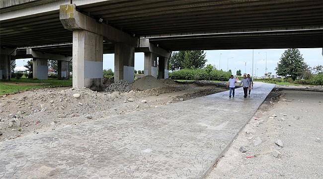 Sahile giden yollar beton yapıldı
