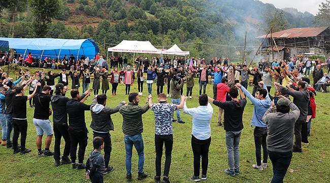 Ardeşen'de ilk kez Deremezra Festivali düzenlendi