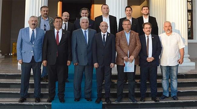 CHP Milletvekilleri çayın sorunları için Rize'de