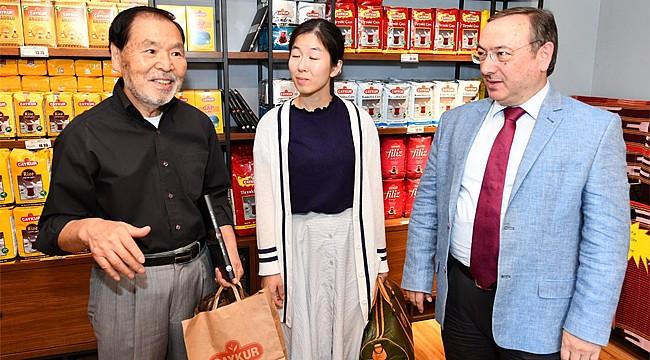 Japon iş adamı Türk çayını incelemek için Rize'ye geldi