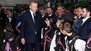 Cumhurbaşkanı Erdoğan Rize Standını ziyaret etti
