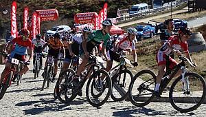 Güneysu'da Uluslararası MTB Cup Bisiklet Yarışları yapıldı