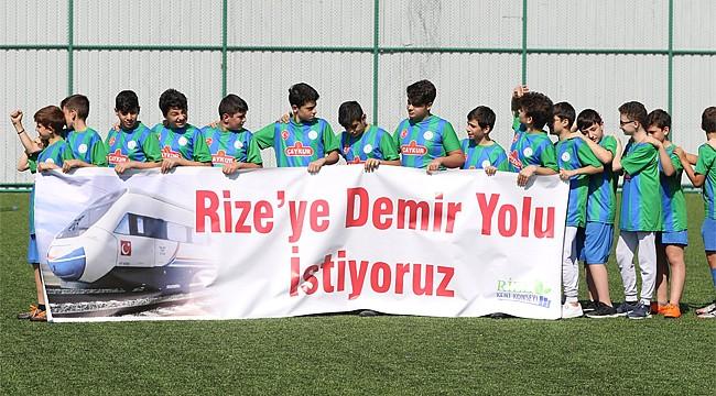 Minik futbolculardan Rize'ye demir yolu isteği
