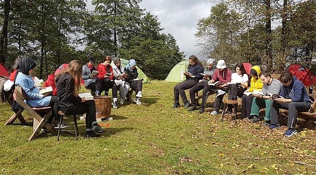 RTEÜ öğrencileri 'Doğa ve Kitap' etkinliğinde bir araya geldi
