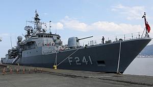TCG Turgutreis (F-241) Fırkateyni Rize Limanına demir attı
