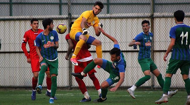 Çaykur Rizespor U19'da tek golle 3 puan