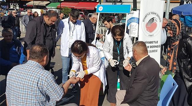 Rize'de vatandaşların diyabet ölçümleri yapıldı