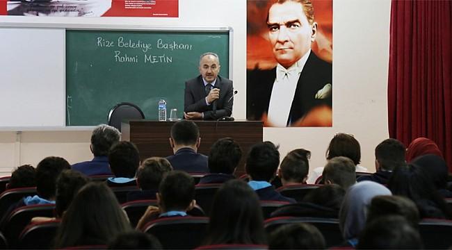 Başkan Metin'den öğrencilere kariyer tavsiyeleri
