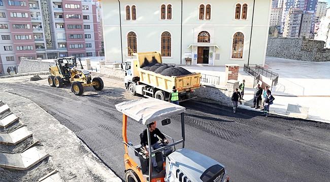 Taşınan Yeni Orta Caminin yolu asfaltlandı