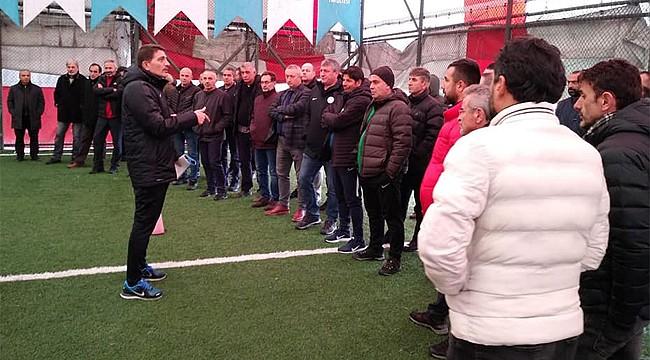 Tüfad Rize'den UEFA belgeli antrenörlere seminer
